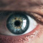 close-up photography of human eye