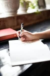 I feel like writing.. feelings stories