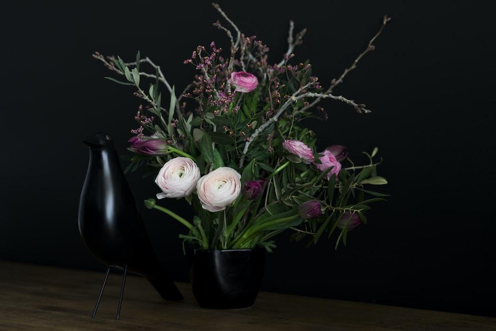 White And Pink Flowers With Black Vase Photo Free Flower Image On Unsplash