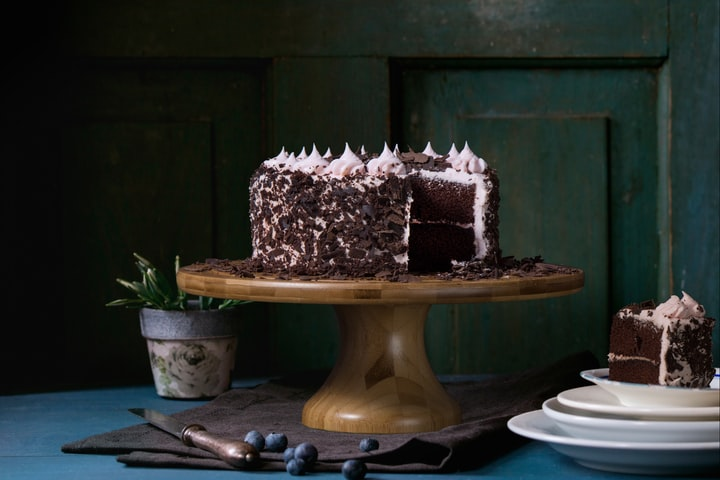 """Want to """"Wow"""" Your Crush? Bake This Irresistible Chocolate Cake"""