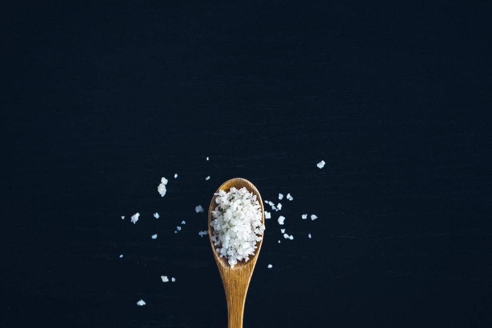 Cara Memutihkan Gigi Secara Alami menggunakan garam