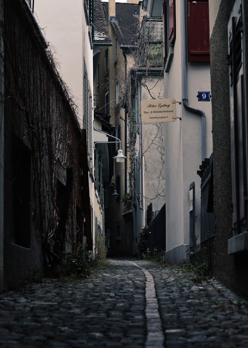 500 Dark Alley Pictures Hd Download Free Images On Unsplash