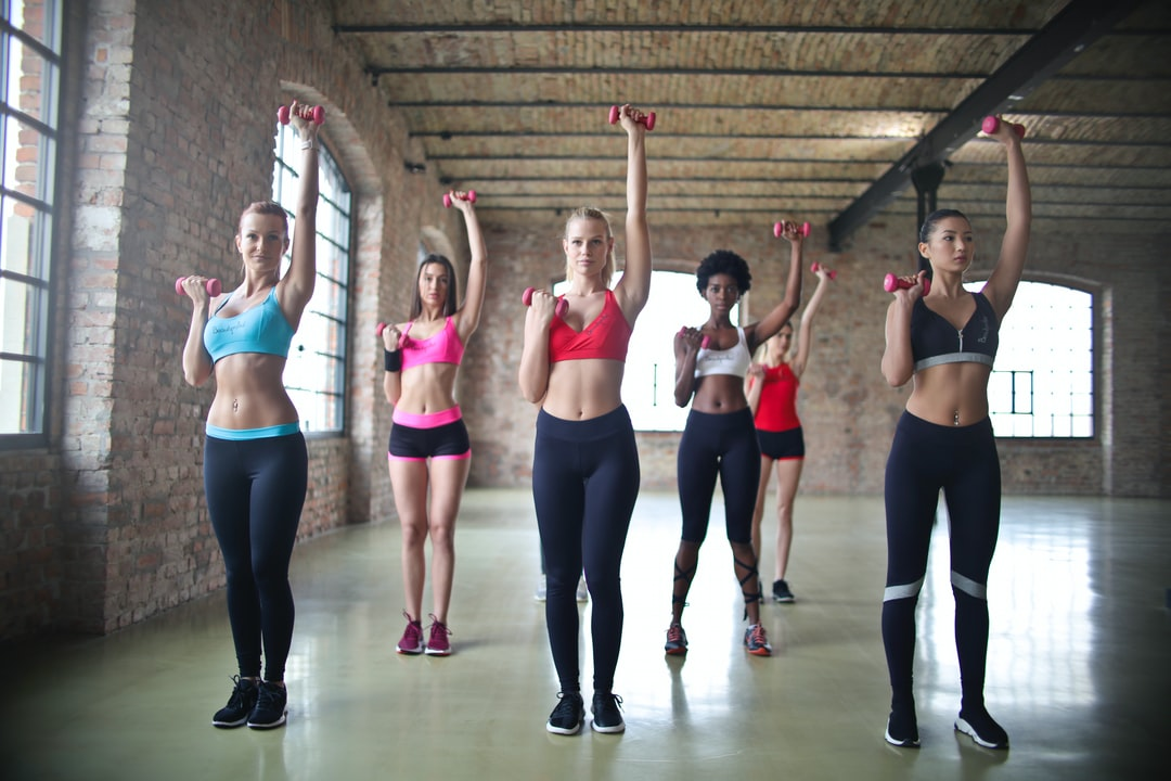 GET FIT WITH FRIENDS! 7 INCREDIBLE BENEFITS OF GROUP WORKOUTS