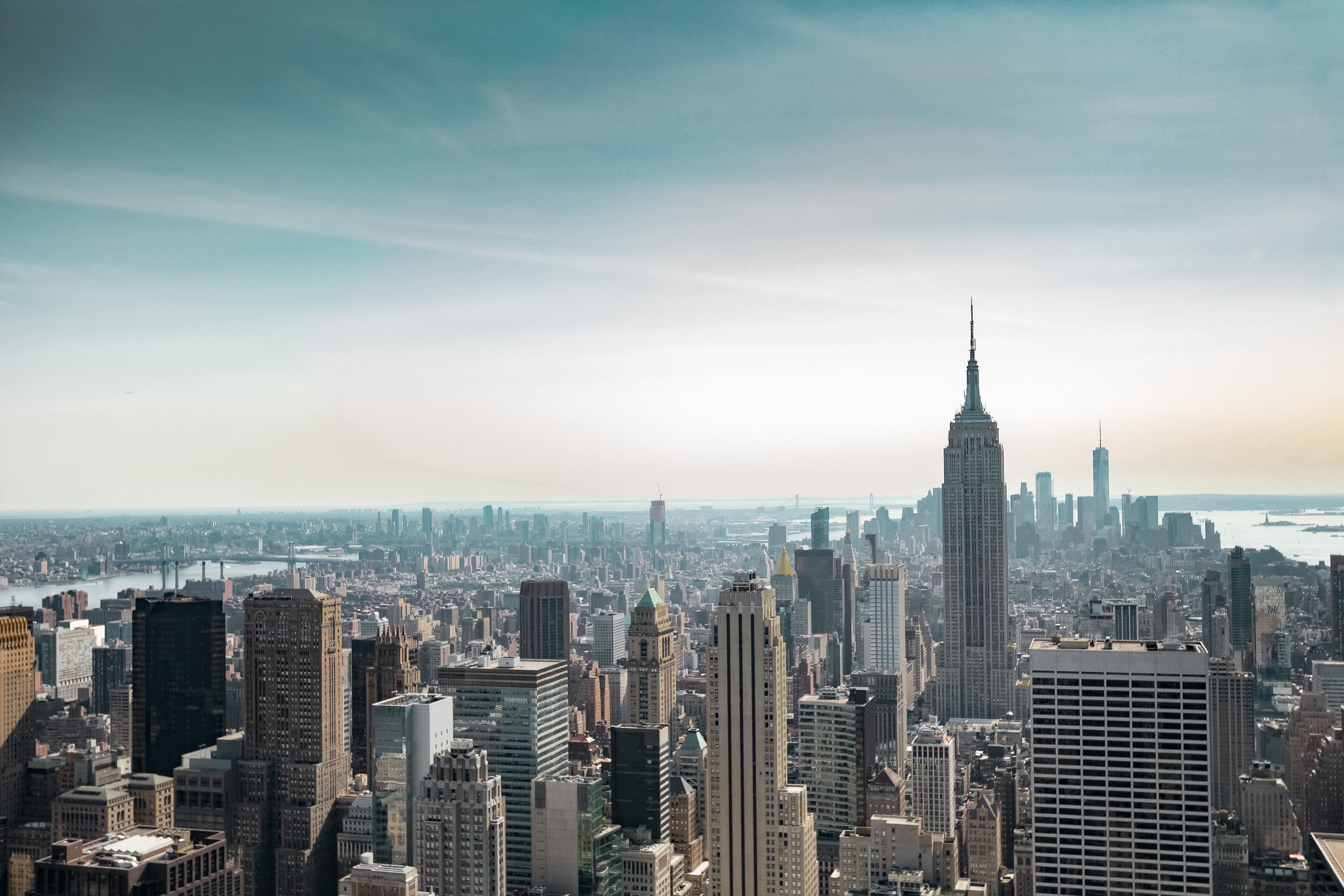 Lanskap udara New York City, Rockefeller Center | Foto: Dorian Mongel on Unsplash