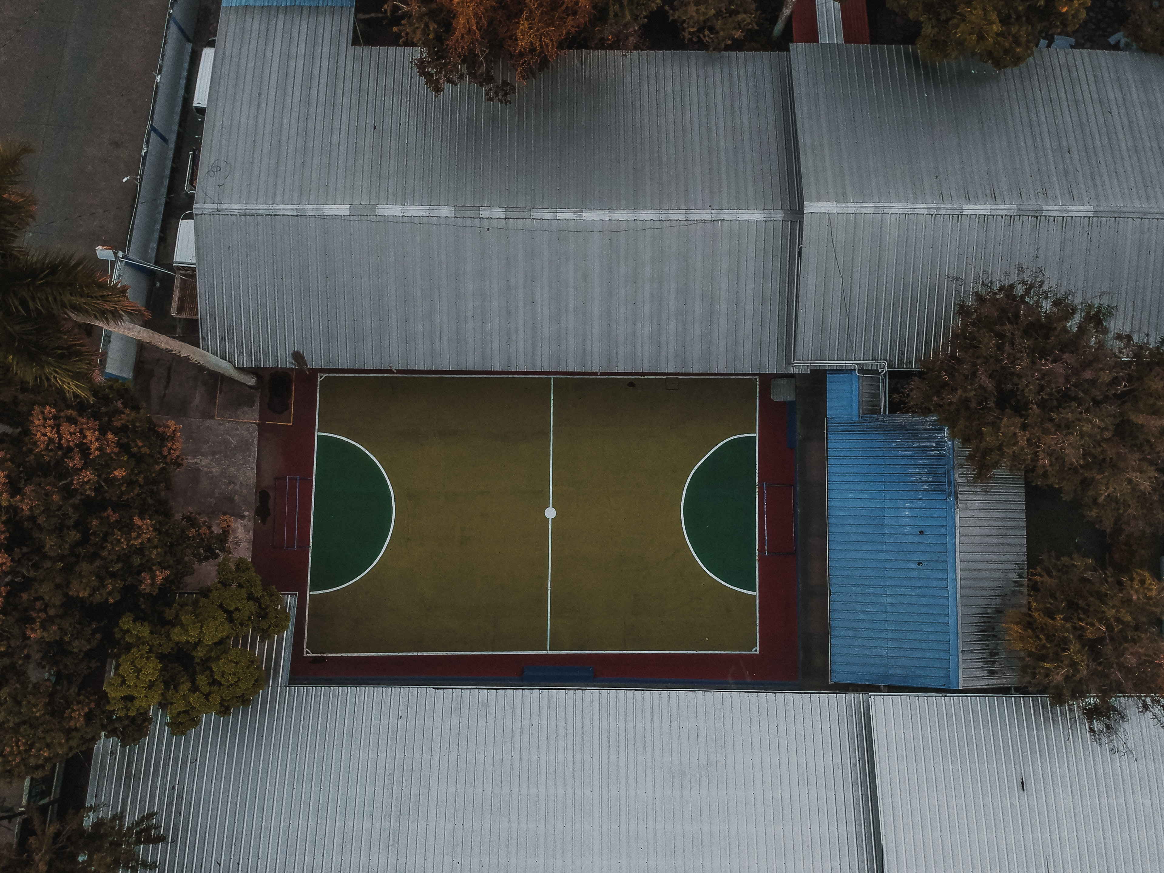 aerial photography of basketball court
