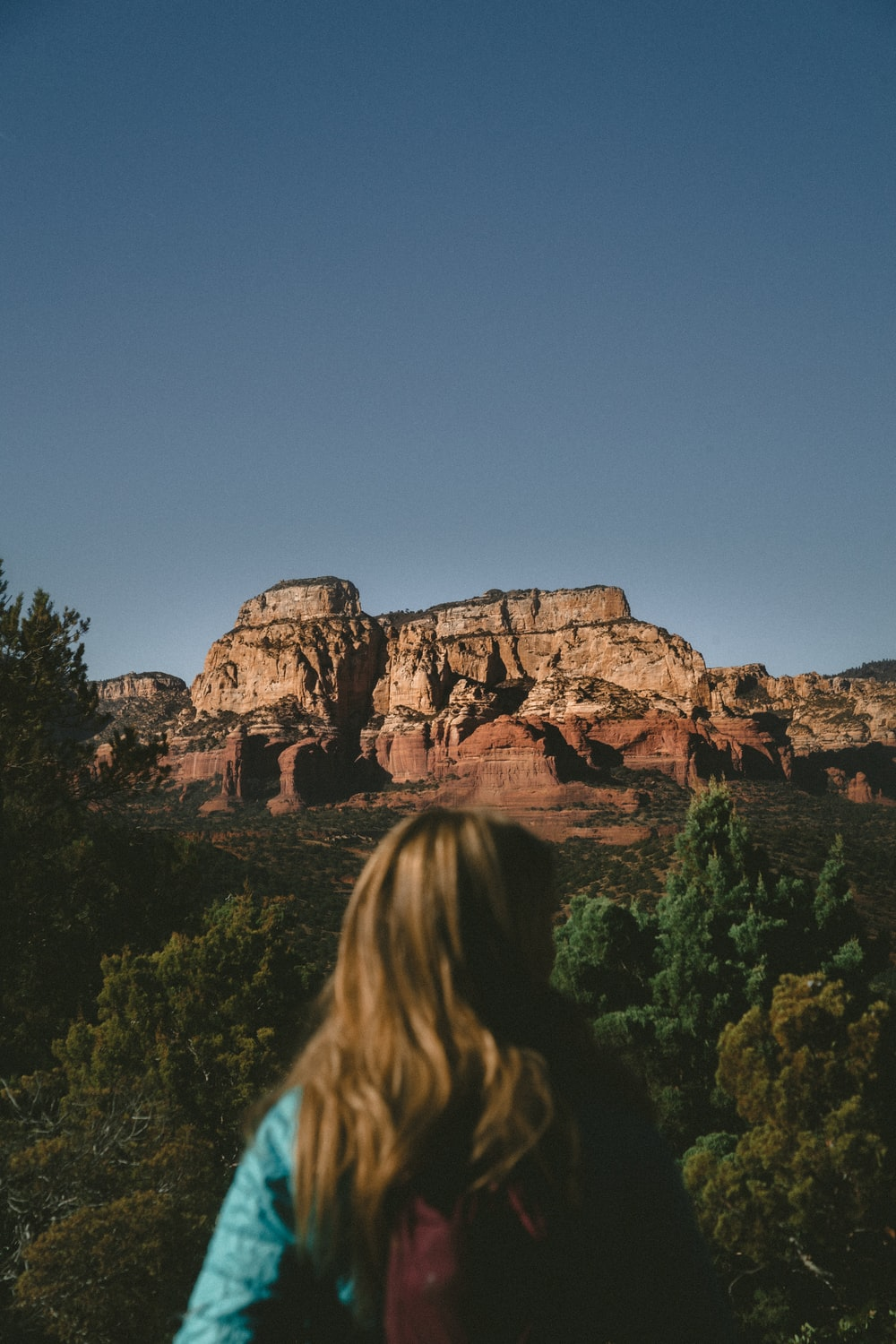 woman sightseeing canyon