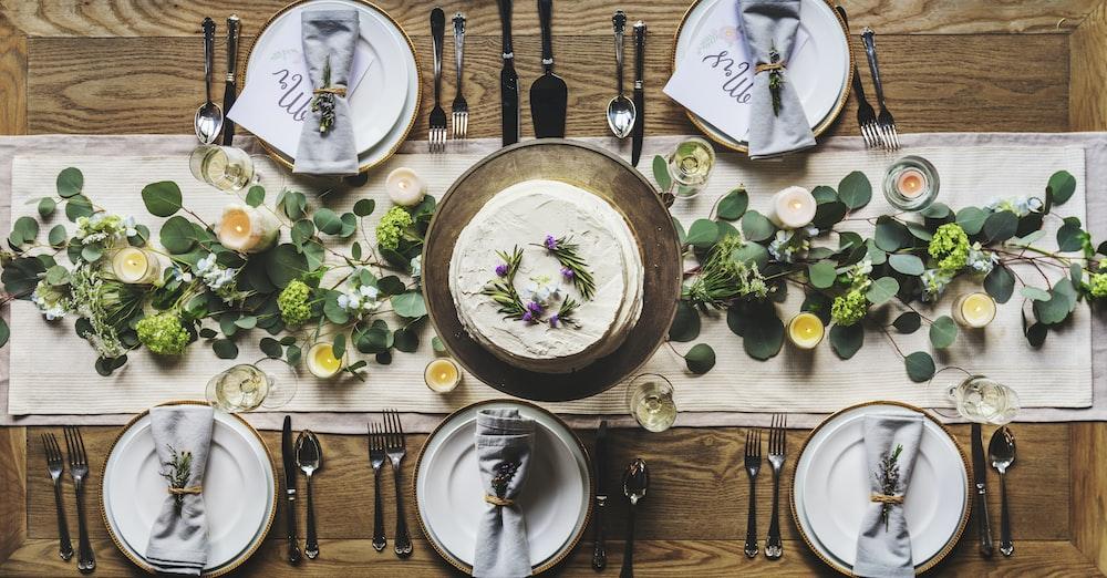 Wedding head table with wedding cake.