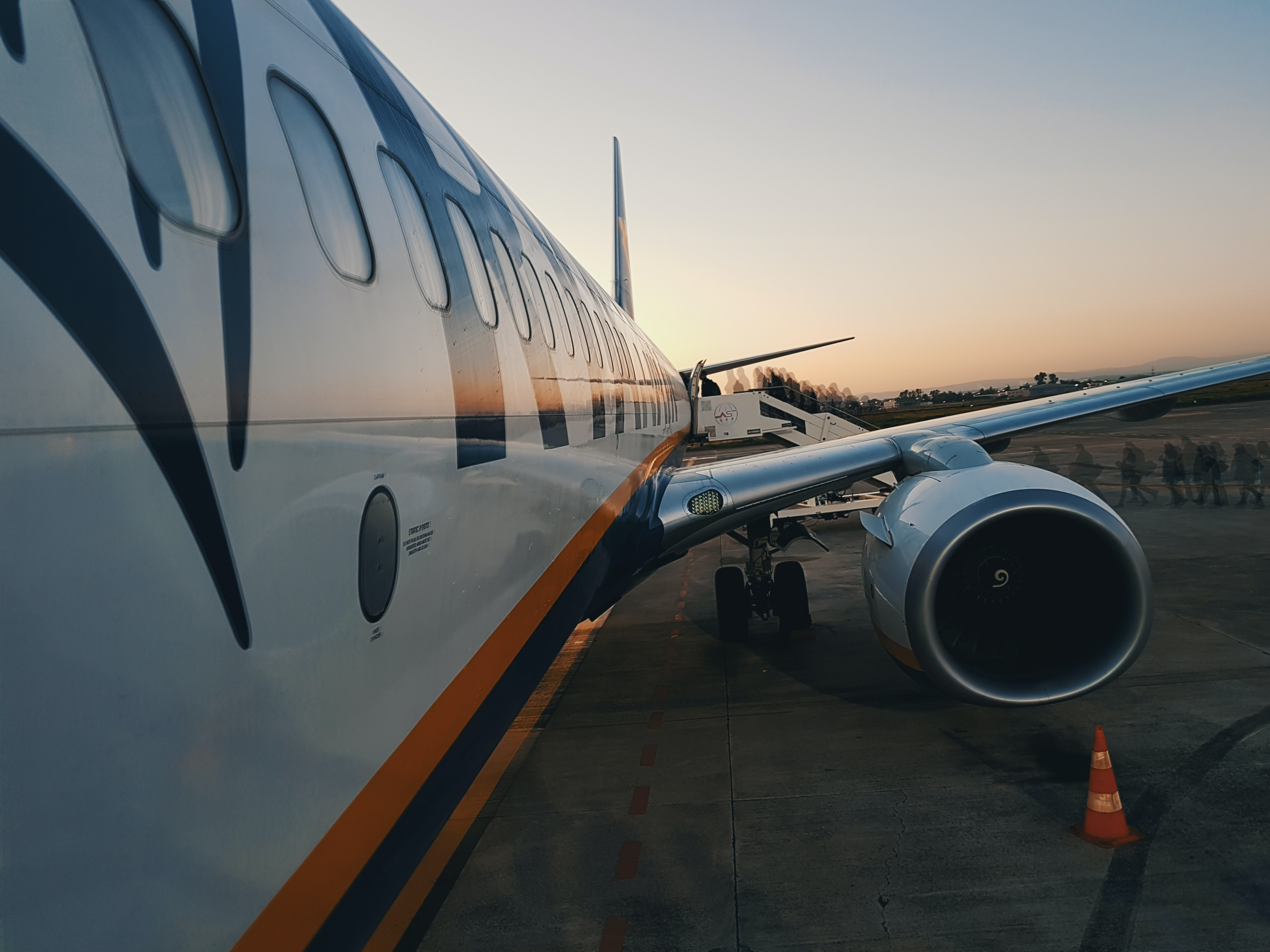close up photography of airplane