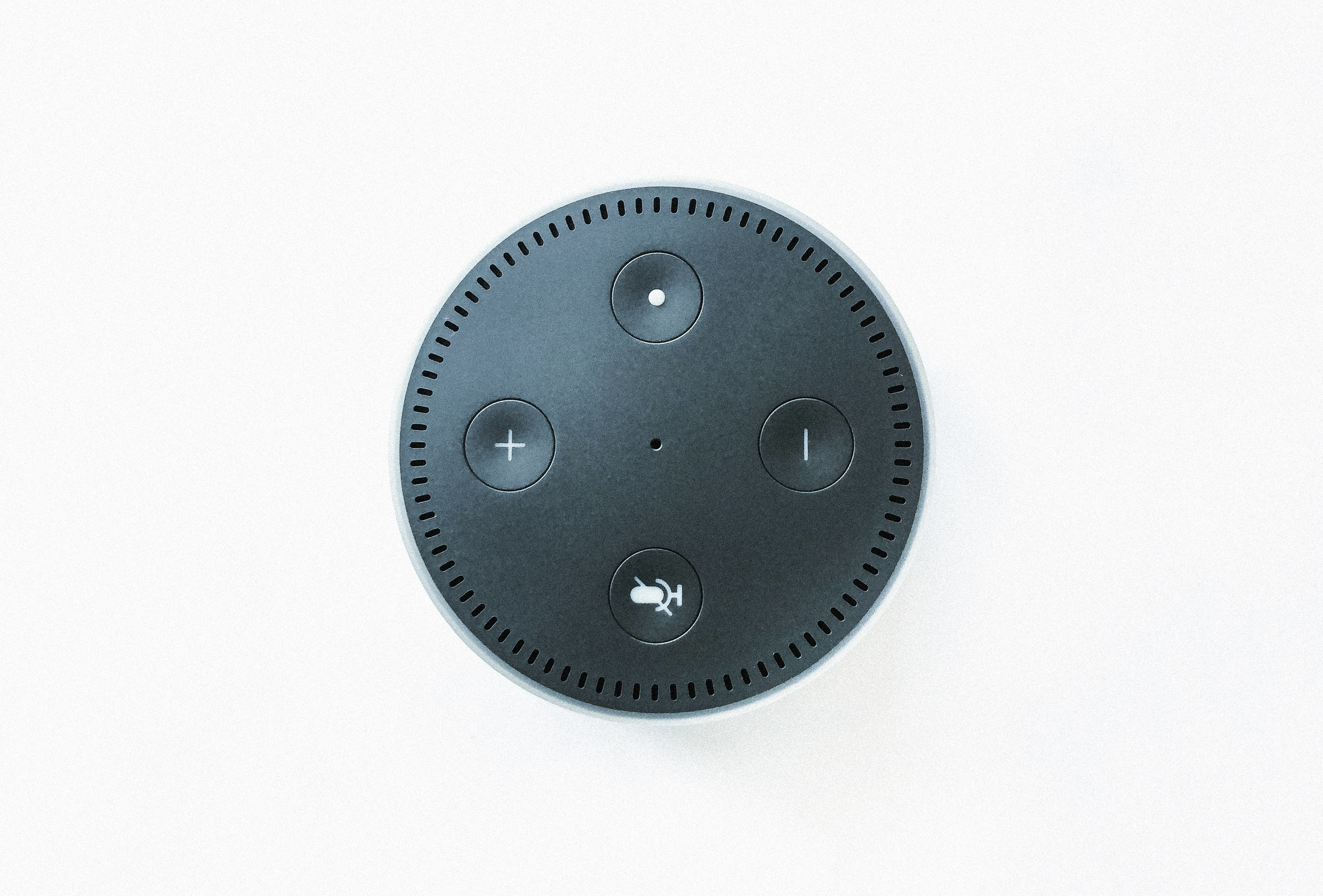 black Amazon echo dot speaker