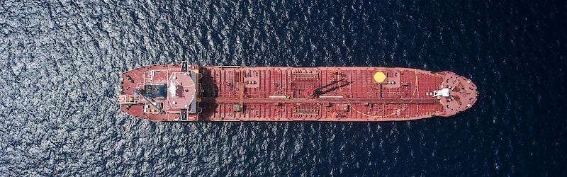 ひかりごけ事件は座礁した船の船長が船員の遺体を食した事件。船長には実刑判決。