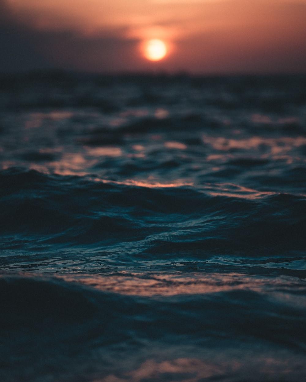 body of water waving
