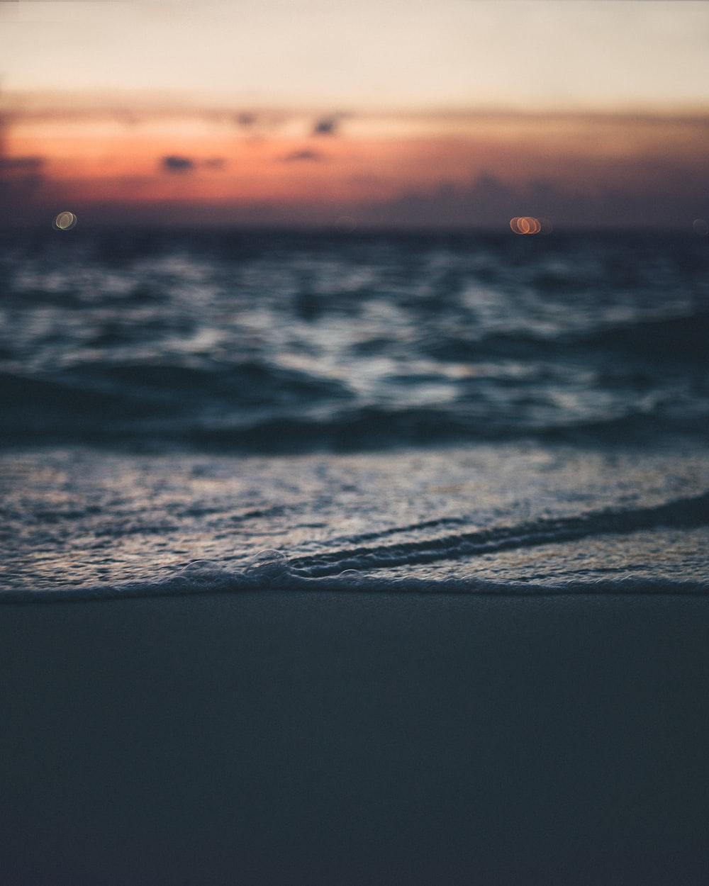 close-up photography of sea water