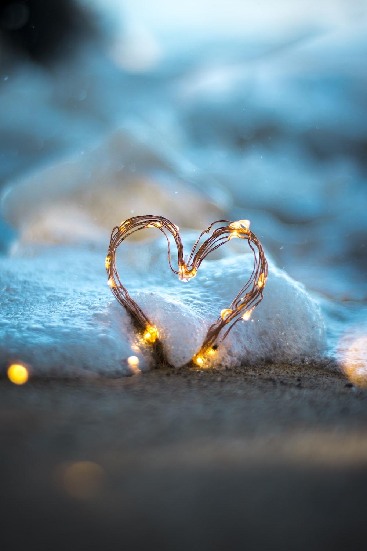 heart string light on floor