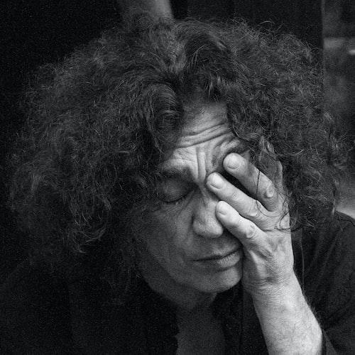 Une femme entrain de pleurer. | Photo : Unsplash