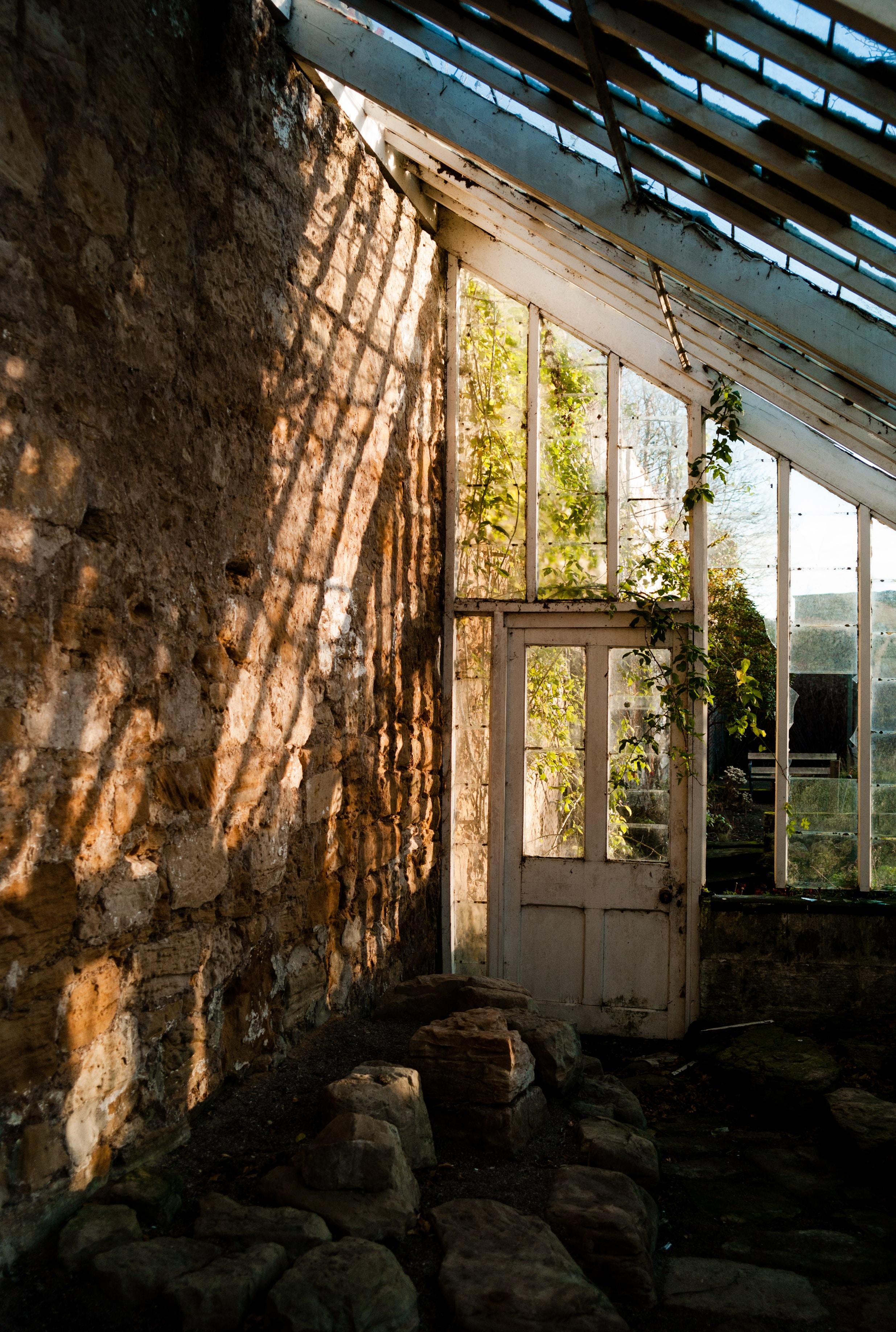 empty abandoned house at daytime
