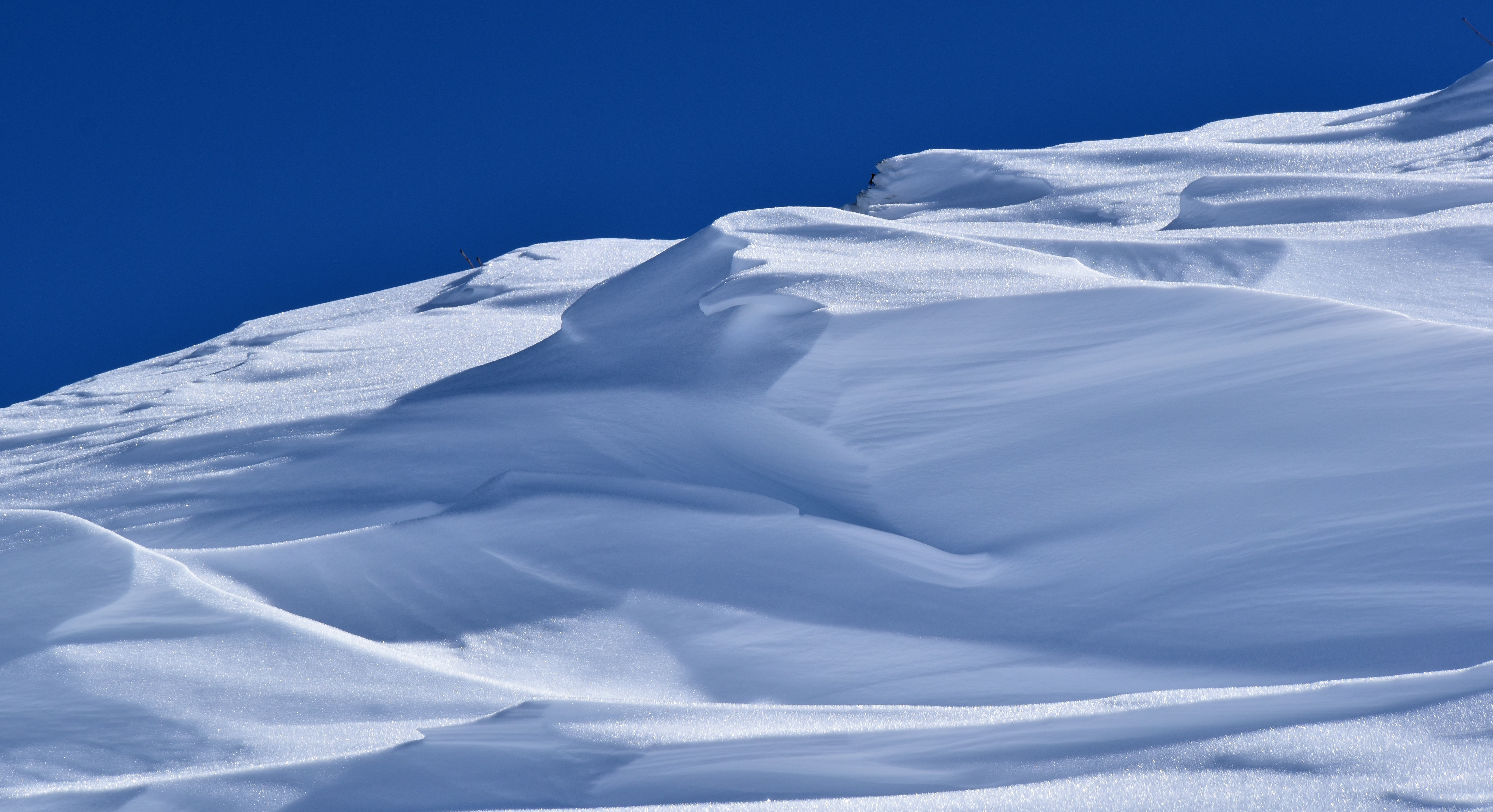 snow field during daytime