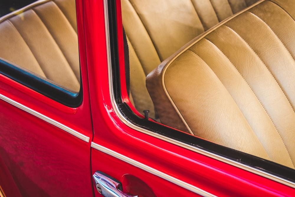 closeup photo of red car