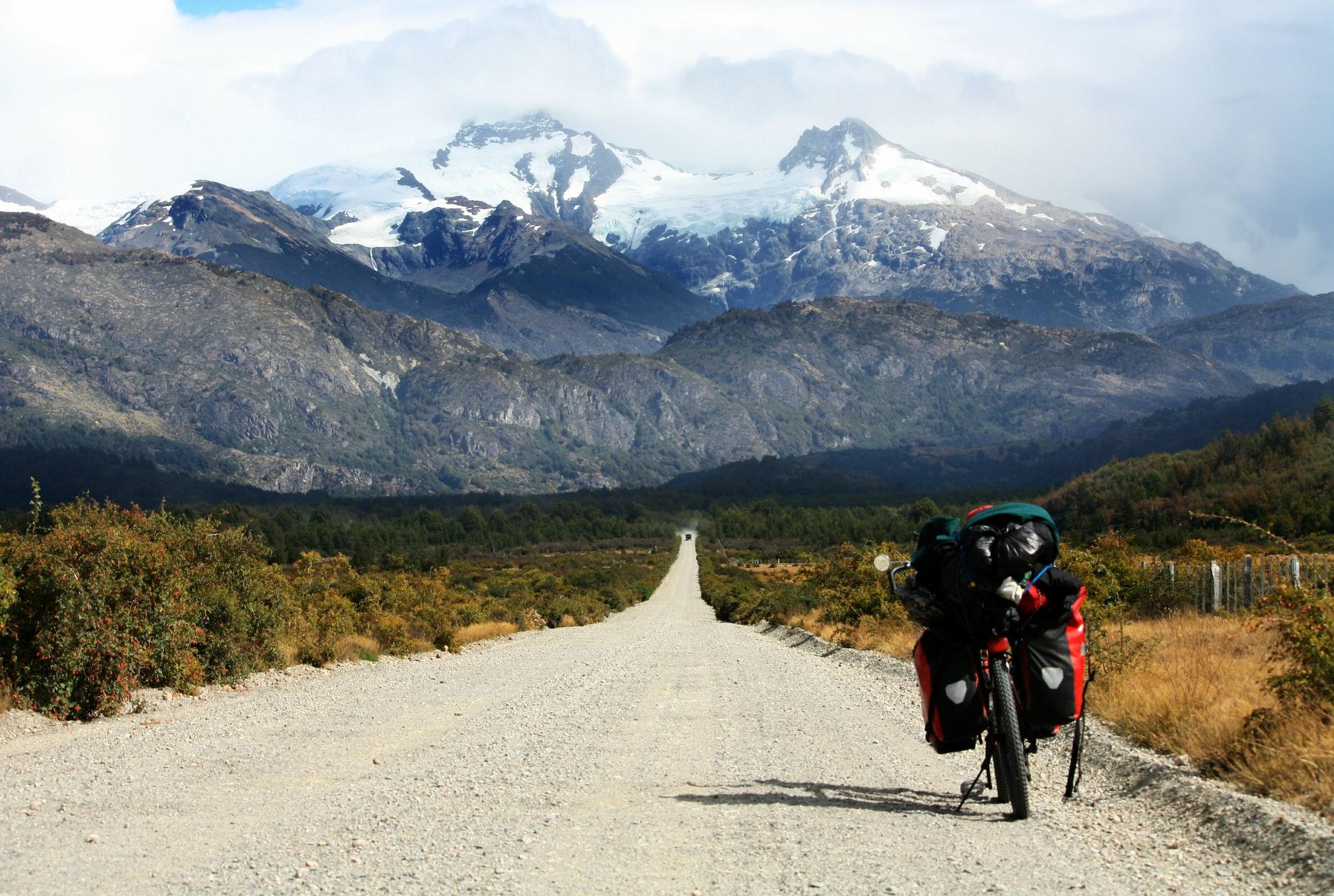 Apa Perbedaan Bikepacking dari Bike Touring?