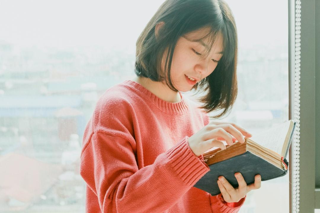 Biasakan Membaca Buku dan Temukan Manfaat Istimewanya!