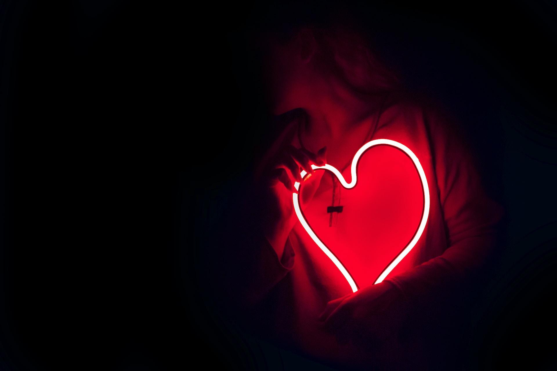 BIG-HEARTED GIRL SEEKING LOVE