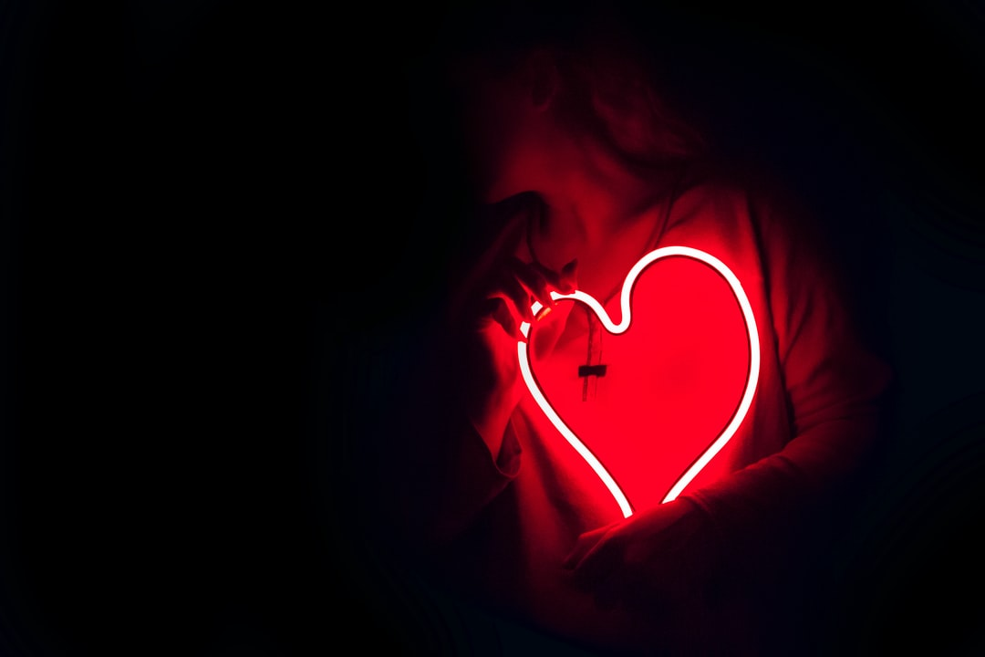 Get Black Heart Wallpaper 3D Pictures