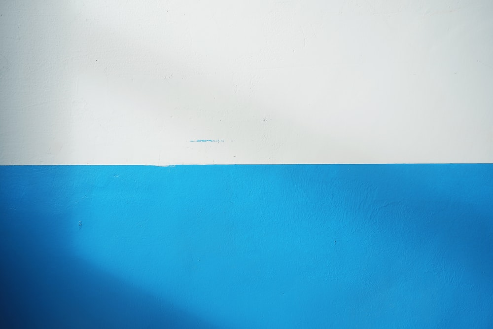 white and blue wall paint