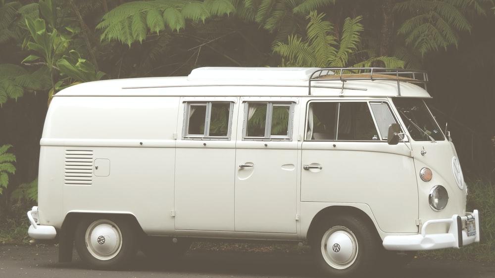white Volkswagen van in focus photography