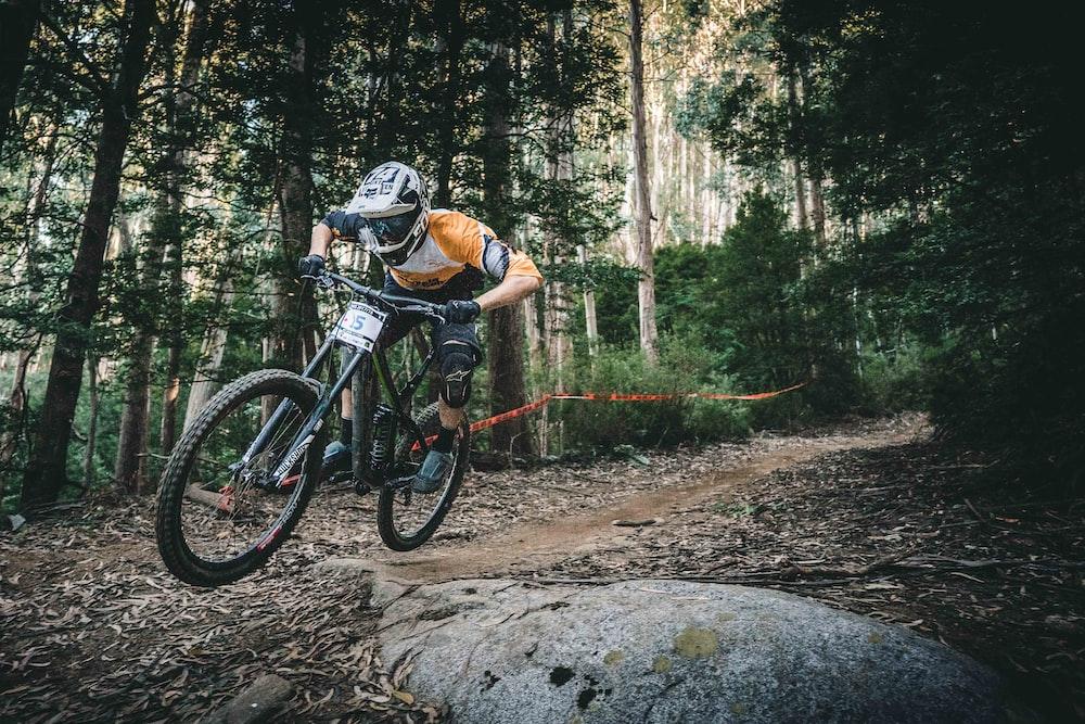 Mountain Biking Pictures Download Free Images On Unsplash
