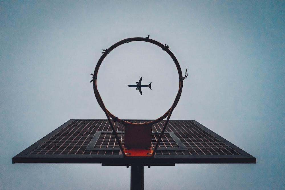 black basketball ring under airliner