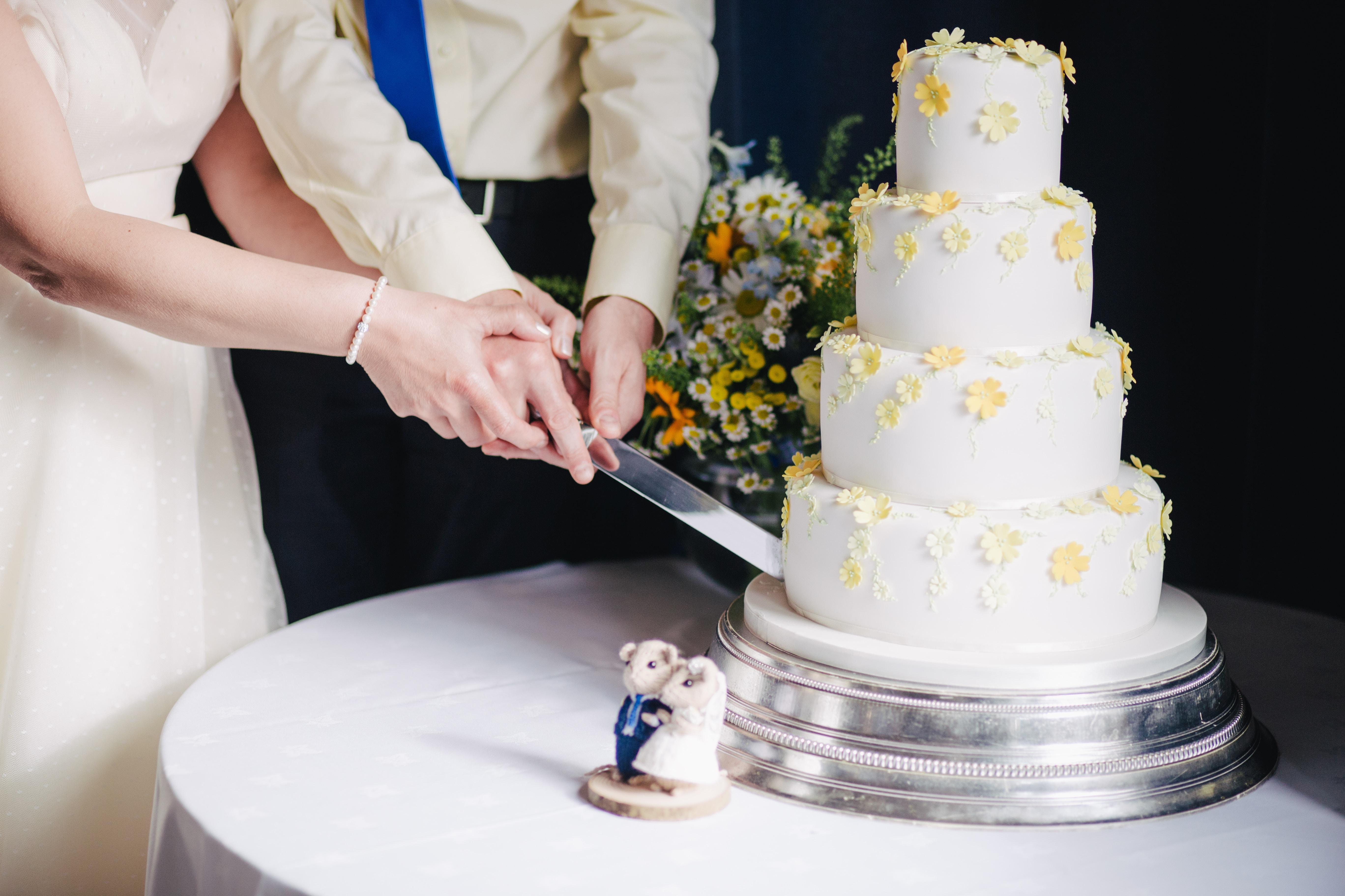 Kaip surengti vestuves ir išlaikyti sveiką biudžetą?