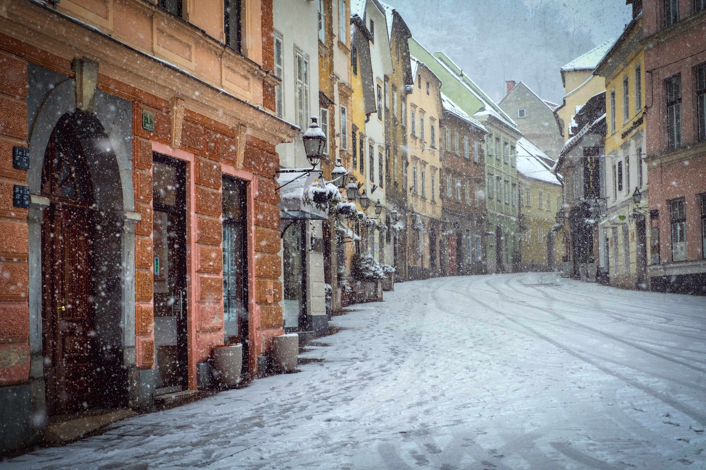 brown buildings at winter wallpaper