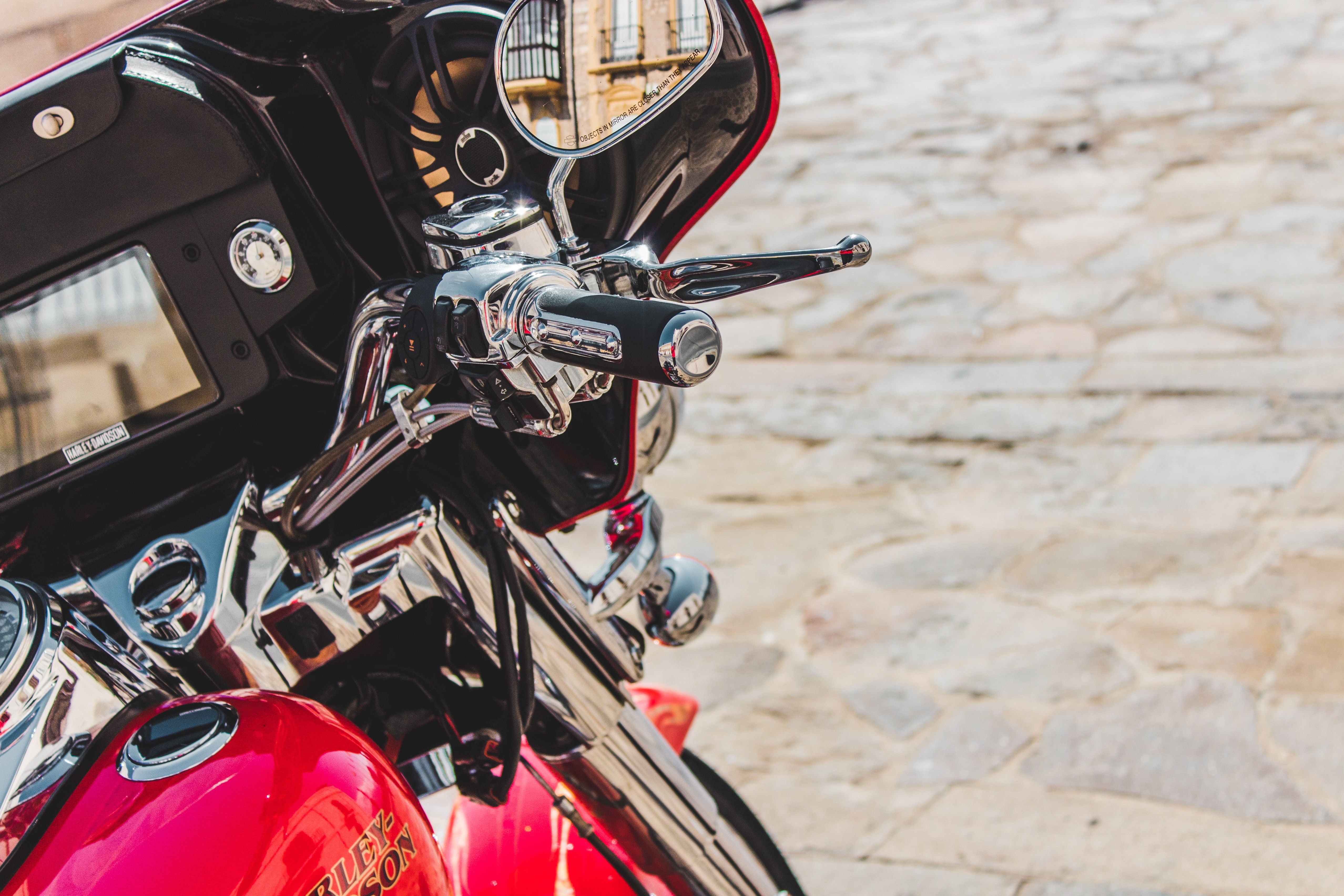 closeup photo of motorcycle