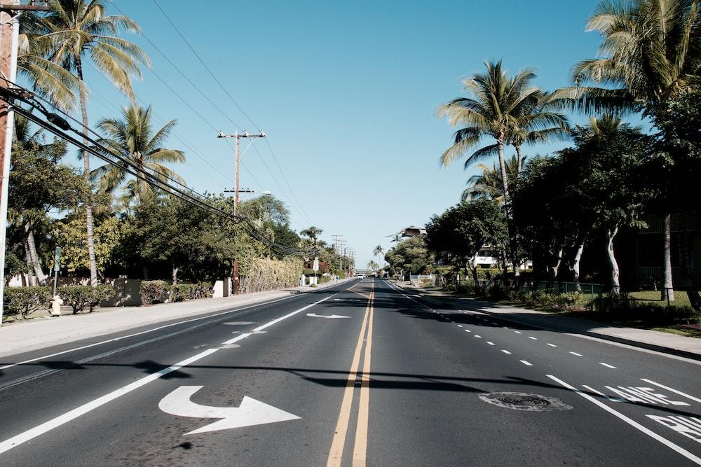 black road during daytime
