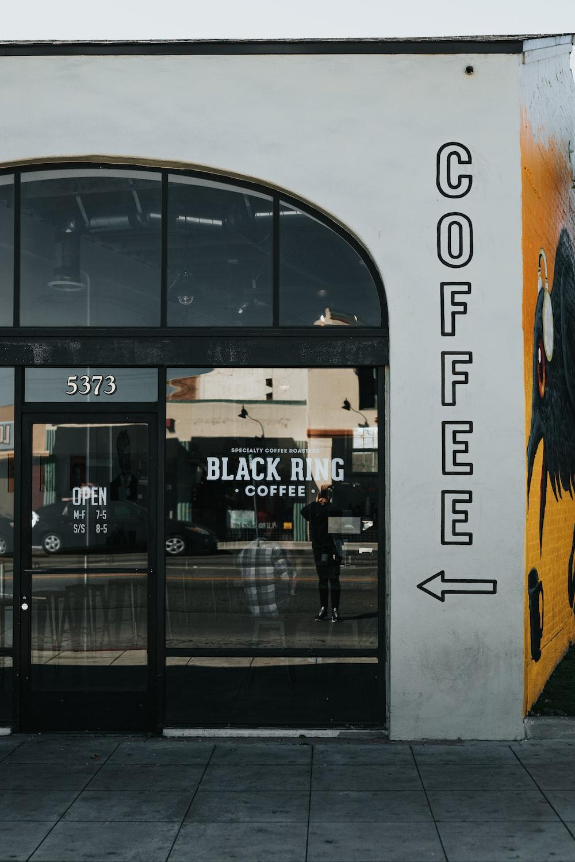 Black Ring coffee store