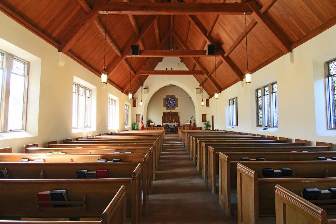 cathedral <b>interior</b> photo – Free Church Image on Unsplash