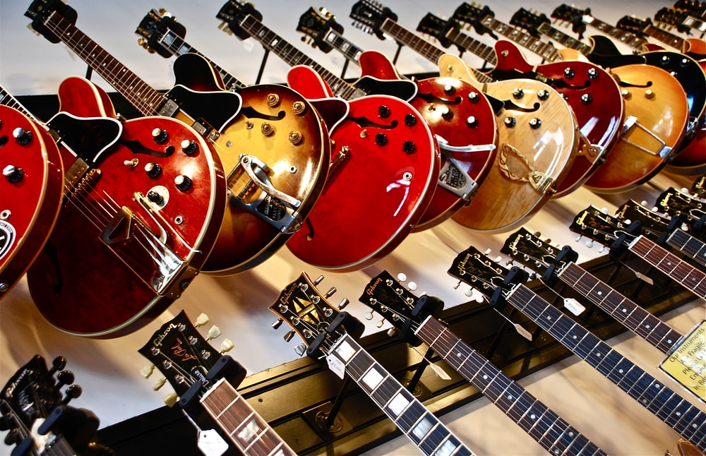 assorted-color jazz guitar lot