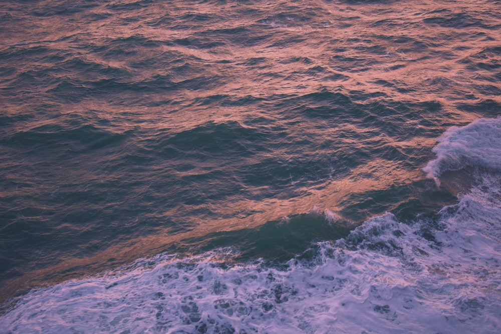 body of water wave
