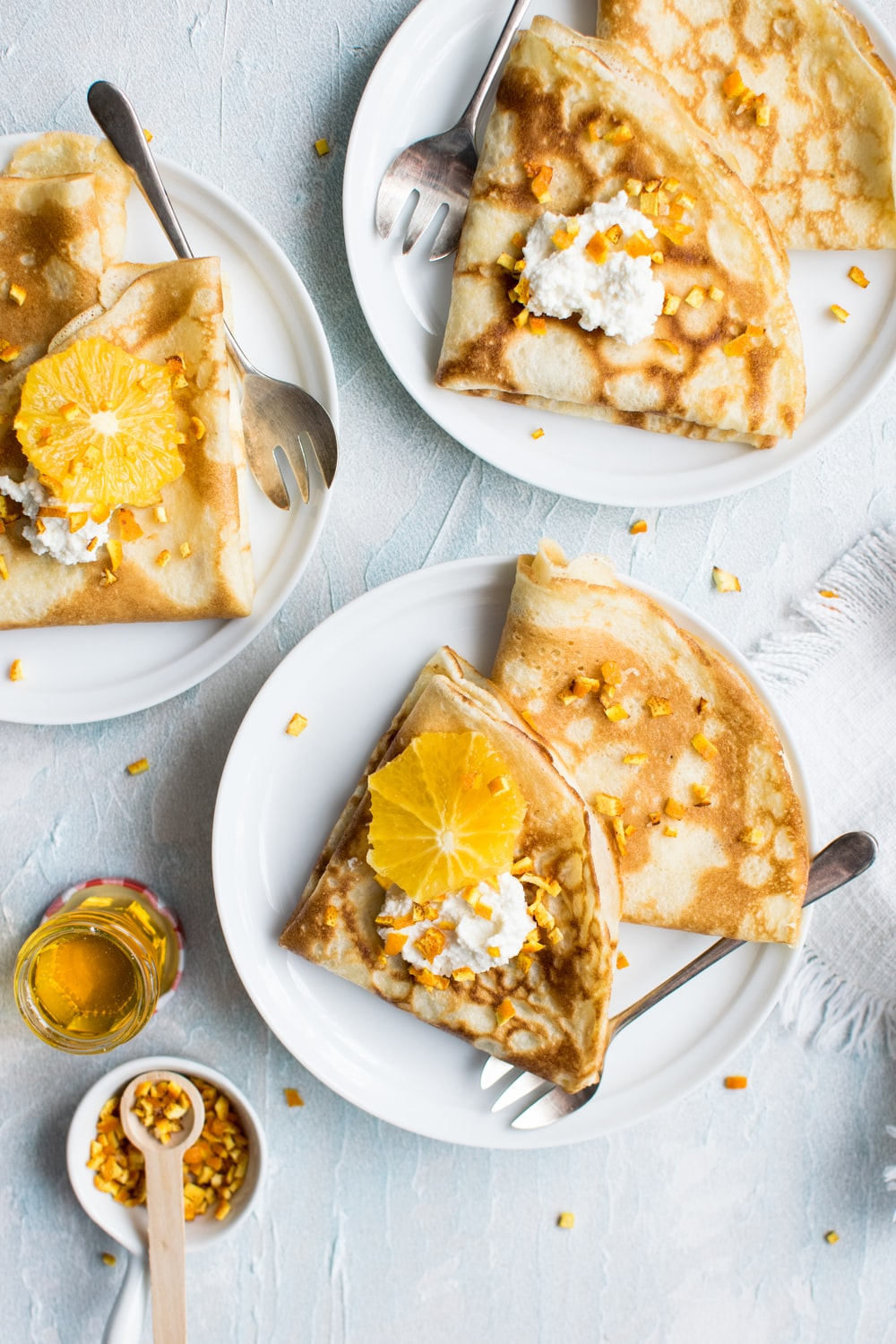 flat-lay photography of pancake with icing