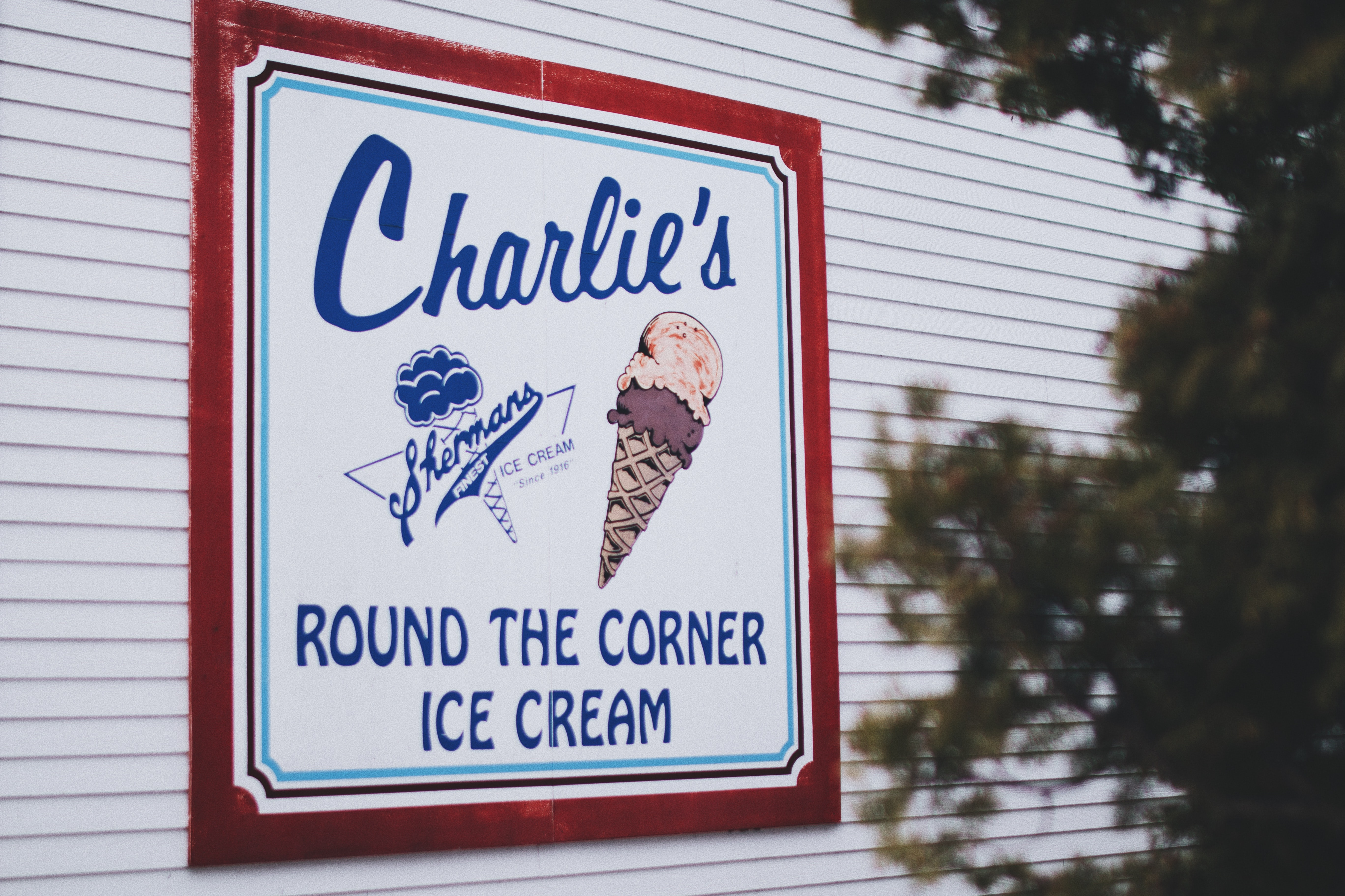 Charlie's round the corner ice cream signage