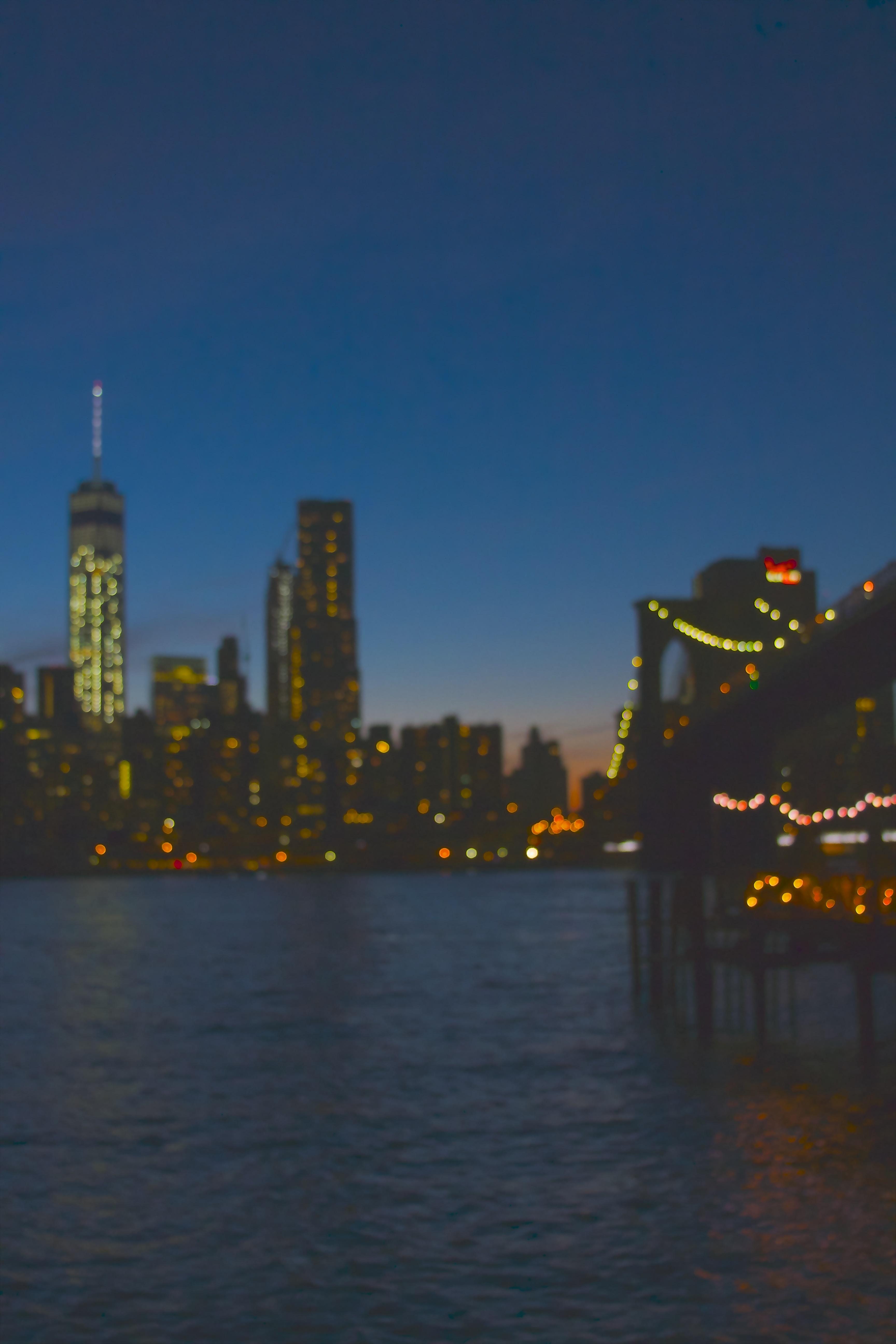 string light on Brooklyn Bridge