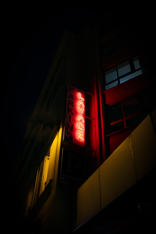 Lavage signage