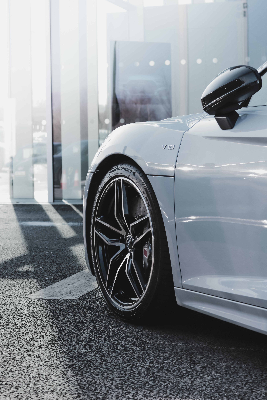 silver V13 car