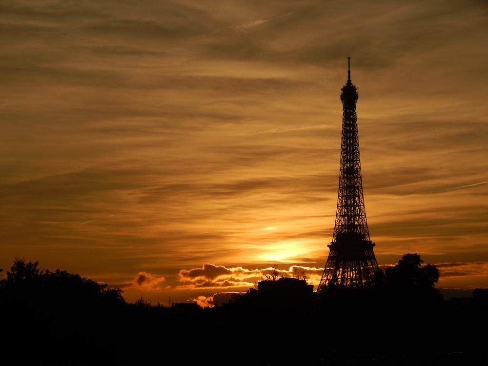 golden hour photography of Eiffel Tower, Paris