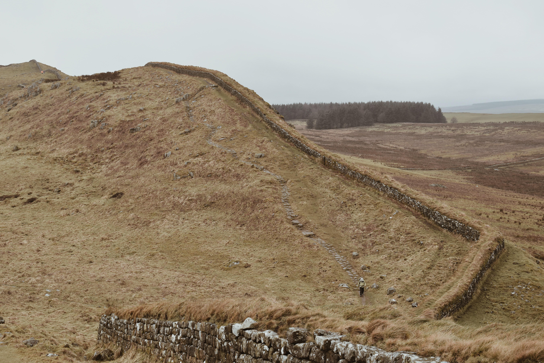 hadrian's wall runs through Cumbria