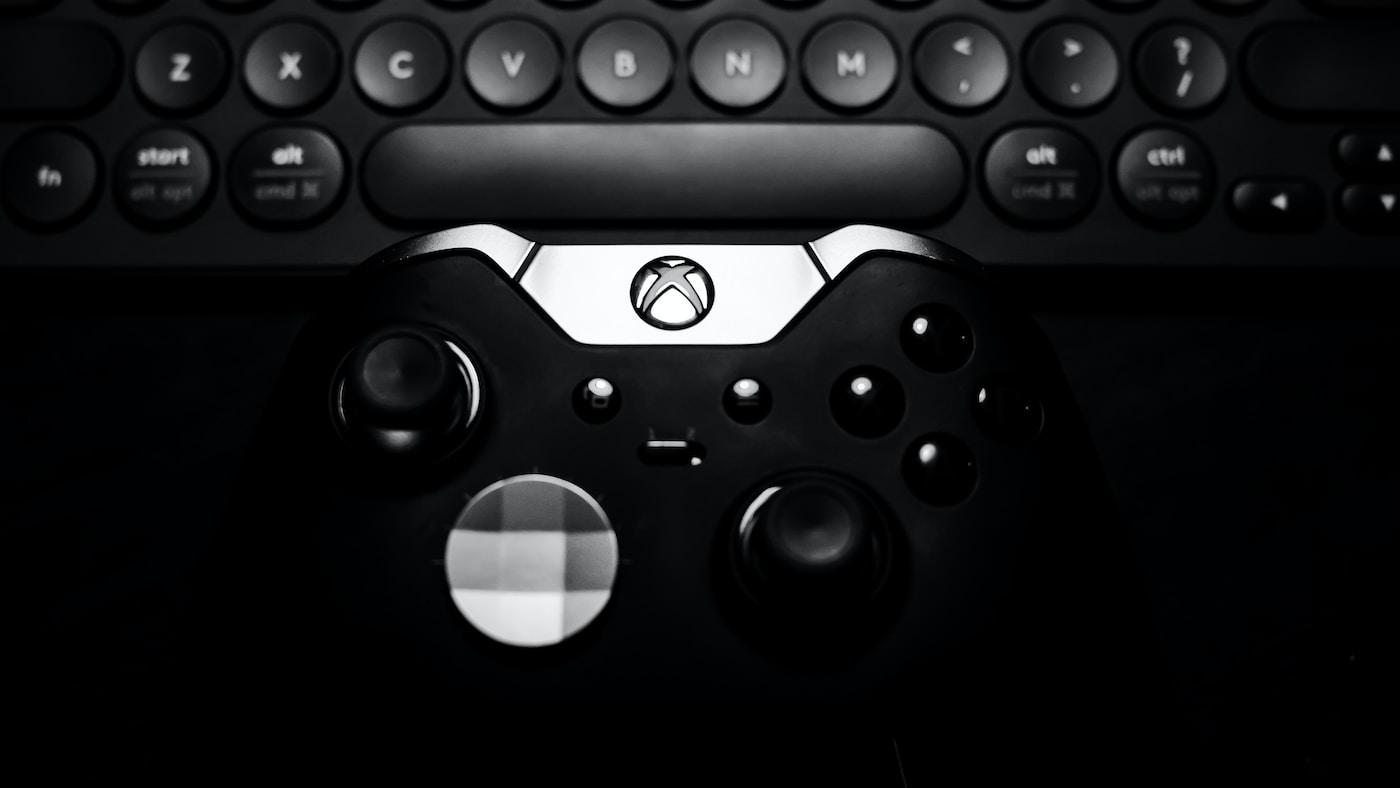 Game Gurus. black Xbox One controller