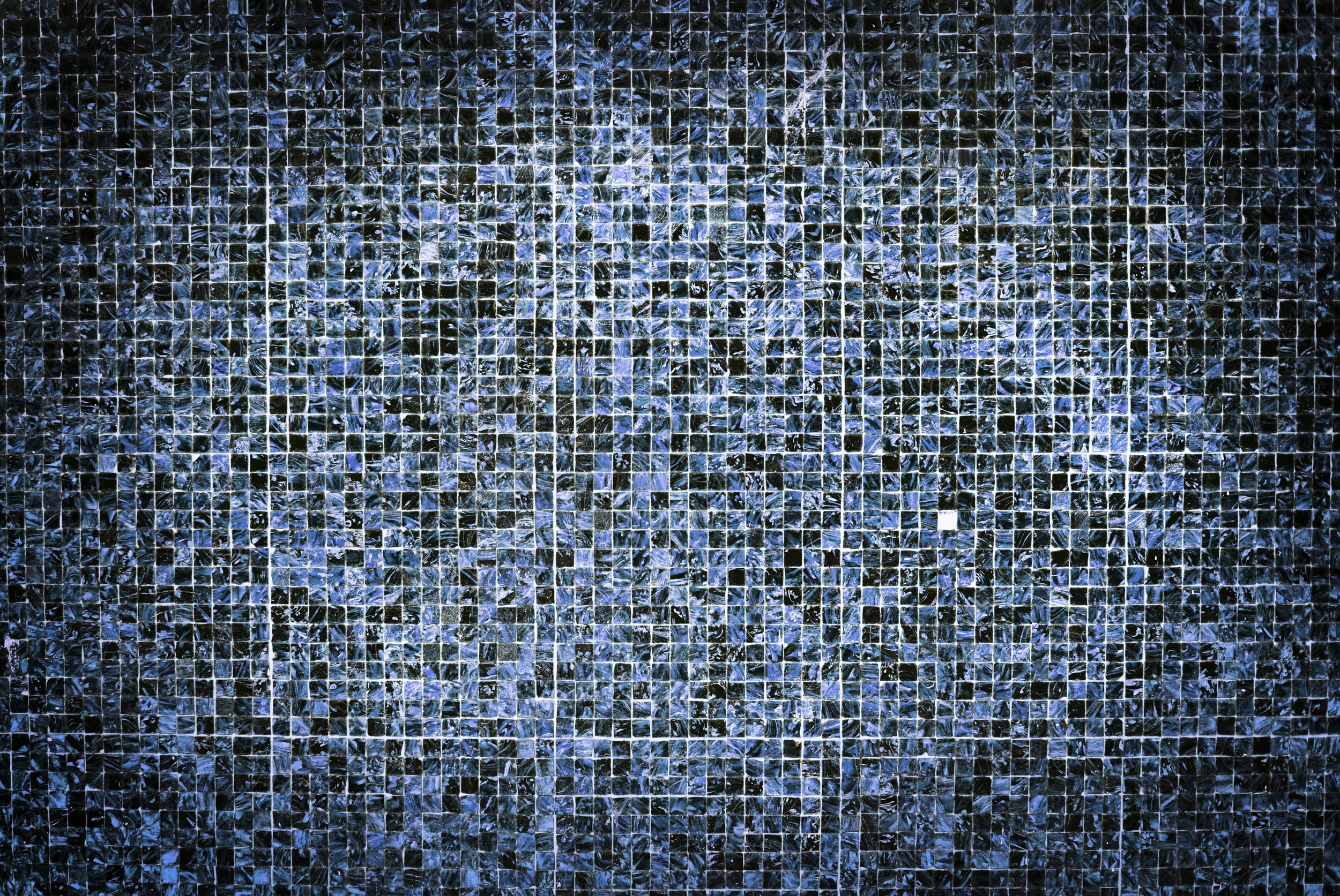 gray and black tiles