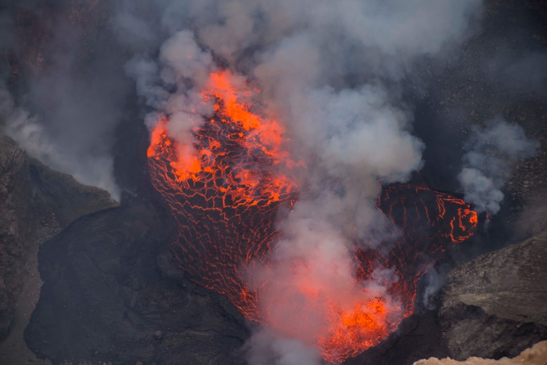 Nyamurajira lava lake