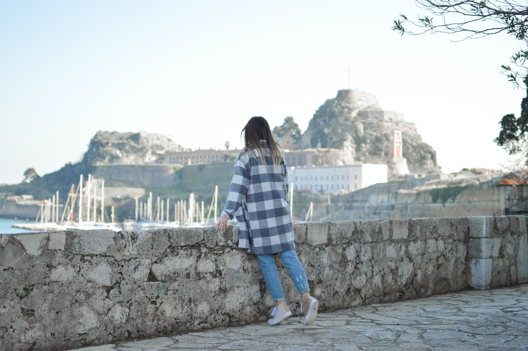 One of our favorite things to do n Weekends is take our litle pup, wear our comfy clothes and pay a visit to the magical Town of Corfu. There between harbors, fortresses and fantastic architecture we always find some spots and moments to shoot for Tamaras Blog.   Read More: https://shinyhoney.com/blog-outfits-the-magnificent-liston.html