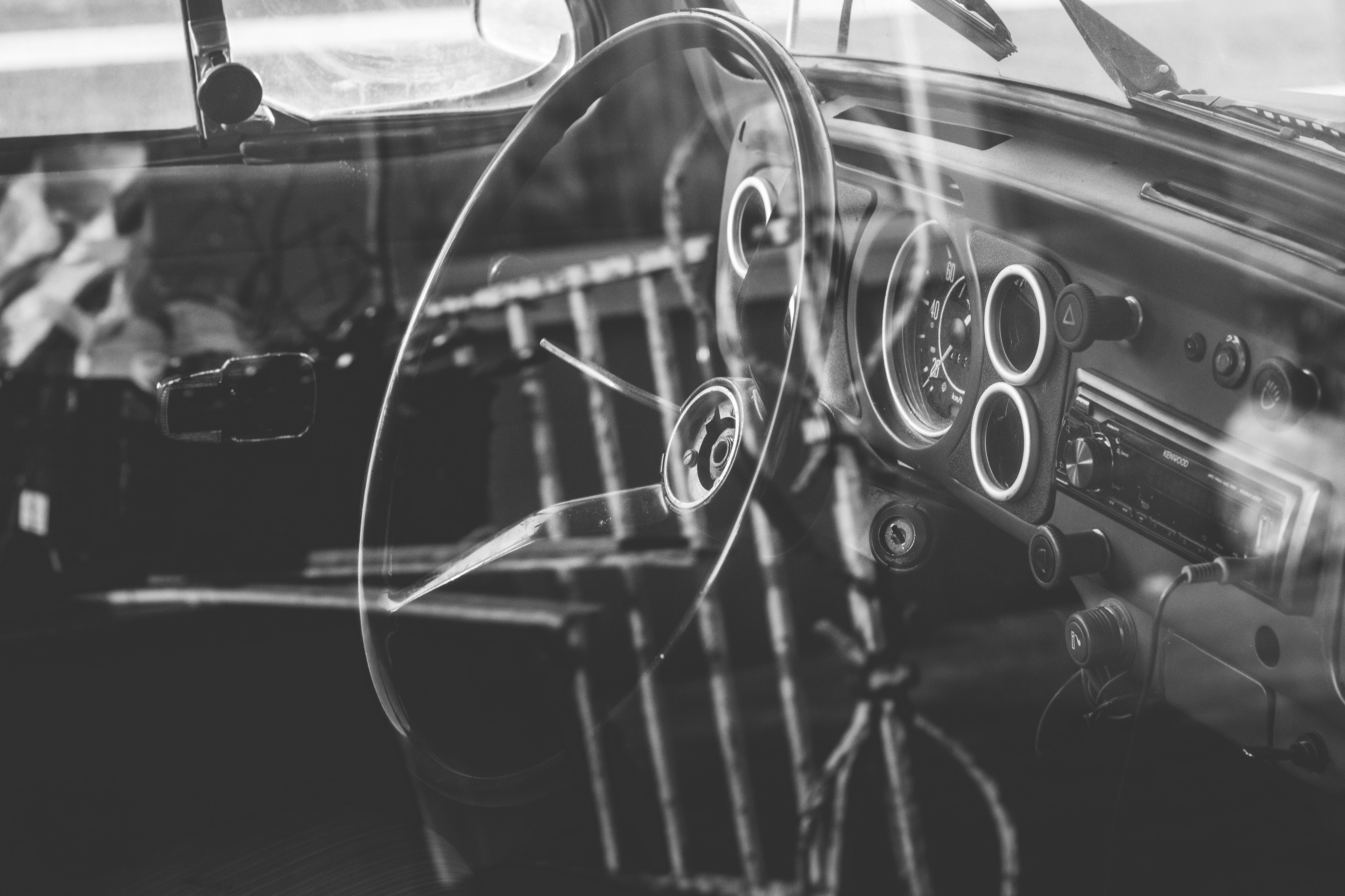 grayscale steering wheel