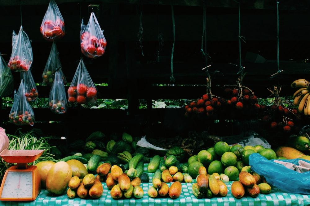 orange scale on fruit stand